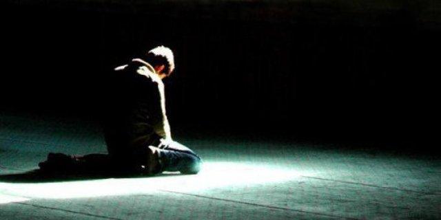 Buat Solat Taubat Jika Rasa Banyak Berdosa, Bacalah Zikir Sampai Hati Rasa Lemah Minta Ampun Dengan Allah SWT